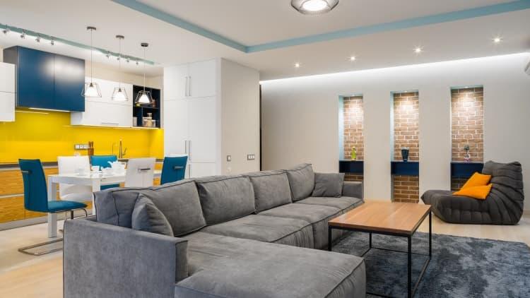Дизайн светлого интерьера квартиры